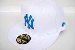 Cappello con ricamo 3D