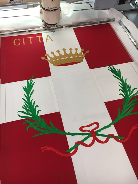 Big embroideries for gonfalons